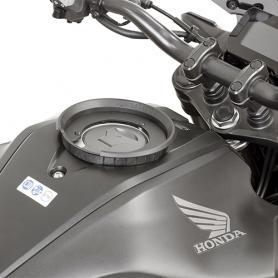 Kit adaptador metálico para el uso de bolsas deposito Tanklock de Givi